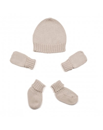 Hat, mittens and socks grey