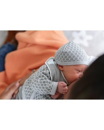 Primera puesta bebé Abeja...