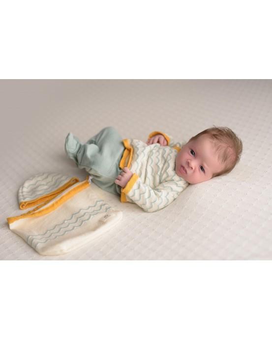 Mint-raw newborn pack