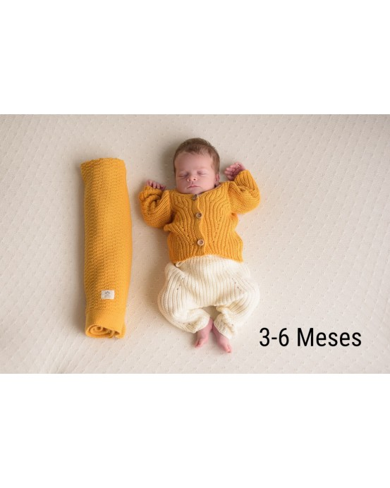MicuMicu - Pack de chaqueta ocre, pantalón crudo y manta ocre. Talla 3-6m