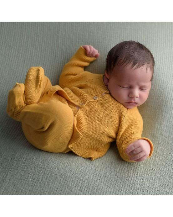 Pack of newborn pack and blanket ochre