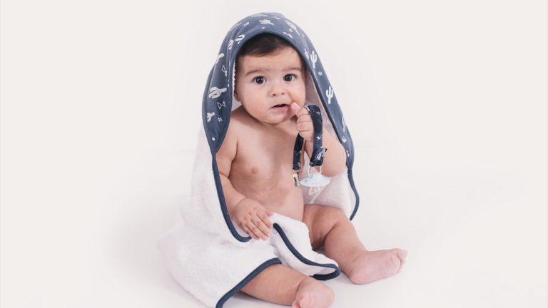 Recién nacidos sin pañales: una tendencia que crece entre los padres